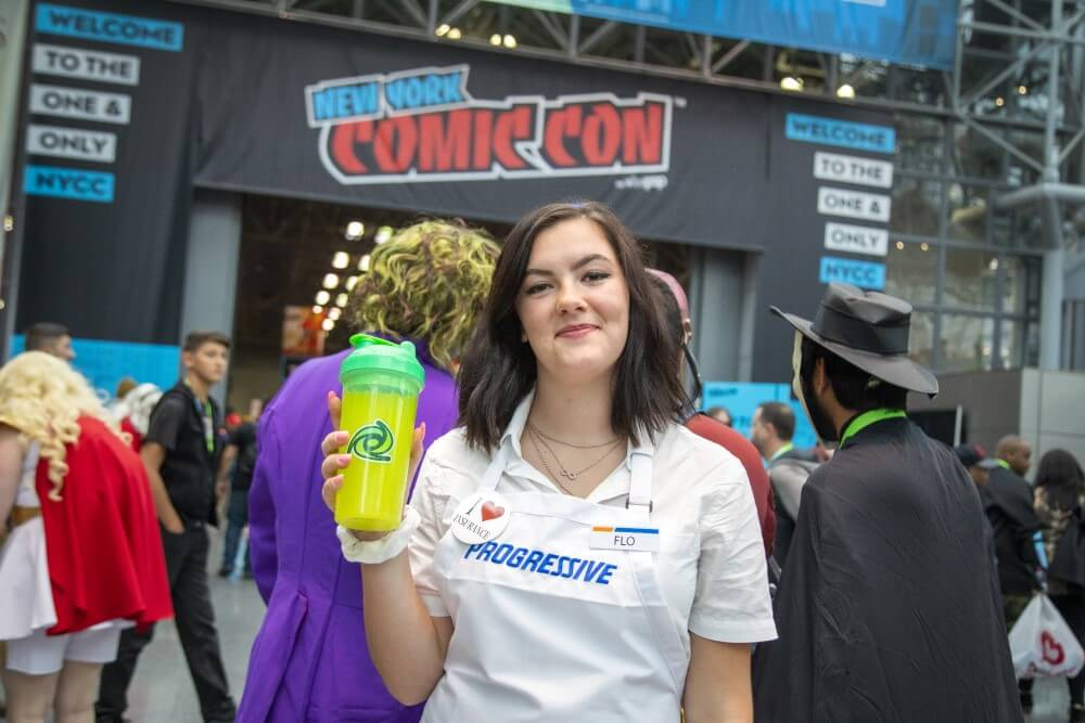 flo from progressive insurance cosplay at new york comic con 2019