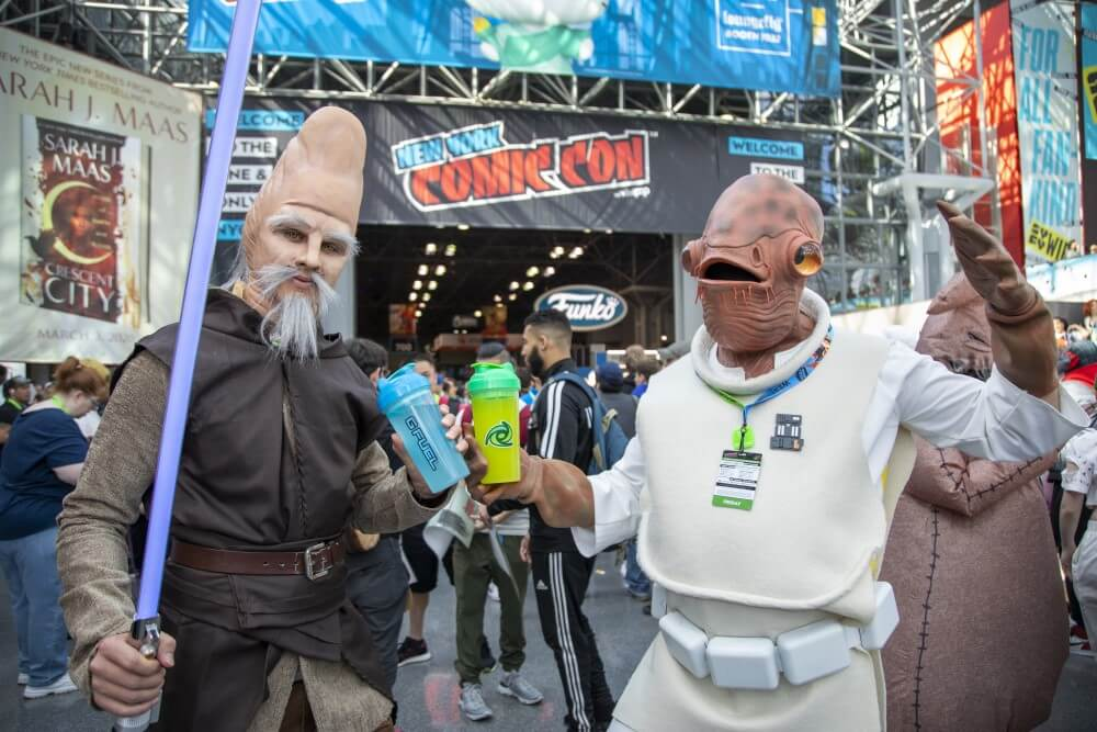 star wars ki-adi-mundi and admiral ackbar cosplays at new york comic con 2019